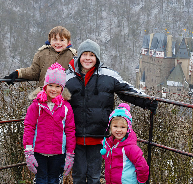 2-11-13 Kids with Burg Eltz in BG WEB