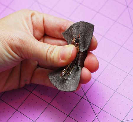 08 Place bow on barrette and hold until fully cooled - Keri Lee Sereika