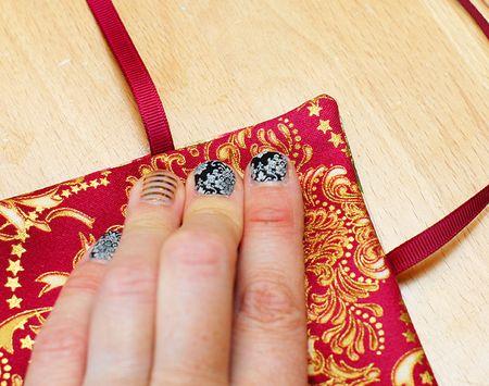 09 Finger Press all Edges - Keri Lee Sereika